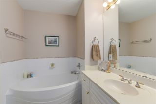 "Photo 8: 404 3001 TERRAVISTA Place in Port Moody: Port Moody Centre Condo for sale in ""NAKISKA"" : MLS®# R2096996"