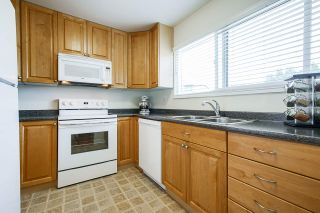 "Photo 10: 3340 VINCENT Street in Port Coquitlam: Glenwood PQ Townhouse for sale in ""Burkview"" : MLS®# R2488086"