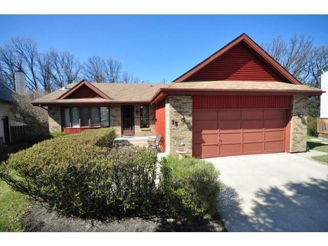 Main Photo: 15 Shelmerdine Drive in WINNIPEG: Charleswood Residential for sale (South Winnipeg)  : MLS®# 1207714