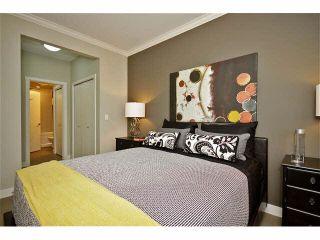 "Photo 5: 104 20460 DOUGLAS Crescent in Langley: Langley City Condo for sale in ""Serenade"" : MLS®# R2084656"