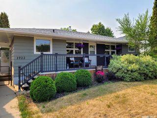 Photo 1: 1922 Morgan Avenue in Saskatoon: Holliston Residential for sale : MLS®# SK865174