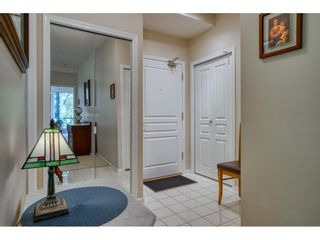 """Photo 5: 209 1785 MARTIN Drive in Surrey: Sunnyside Park Surrey Condo for sale in """"Southwynd"""" (South Surrey White Rock)  : MLS®# R2591811"""
