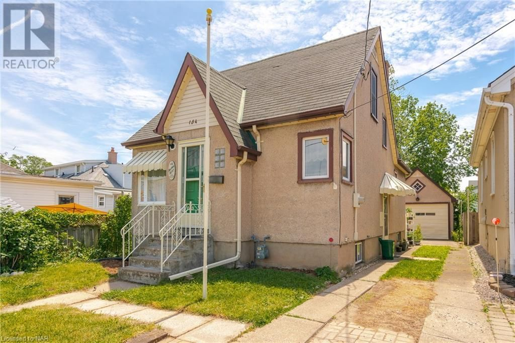 Main Photo: 154 CARLTON Street in St. Catharines: House for sale : MLS®# 40116173