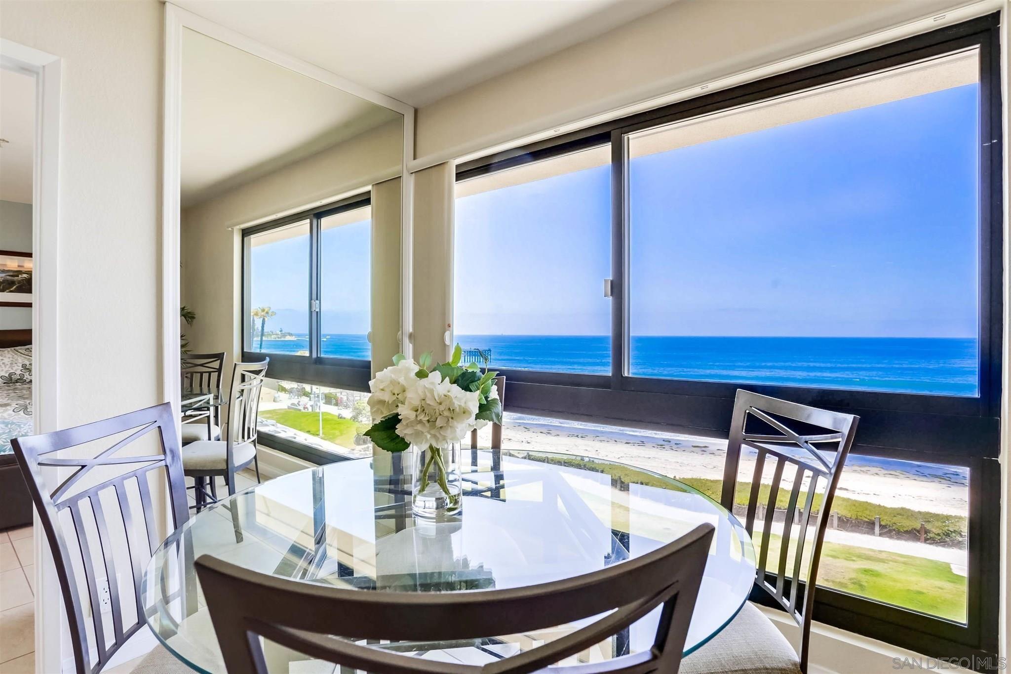 Main Photo: PACIFIC BEACH Condo for sale : 2 bedrooms : 4667 Ocean Blvd #408 in San Diego