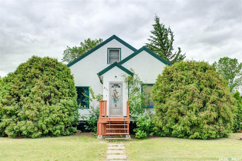 FEATURED LISTING: 311 1st Street South Wakaw