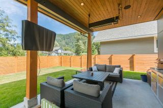 """Photo 2: 1555 JUDD Road in Squamish: Brackendale House for sale in """"BRACKENDALE"""" : MLS®# R2012309"""