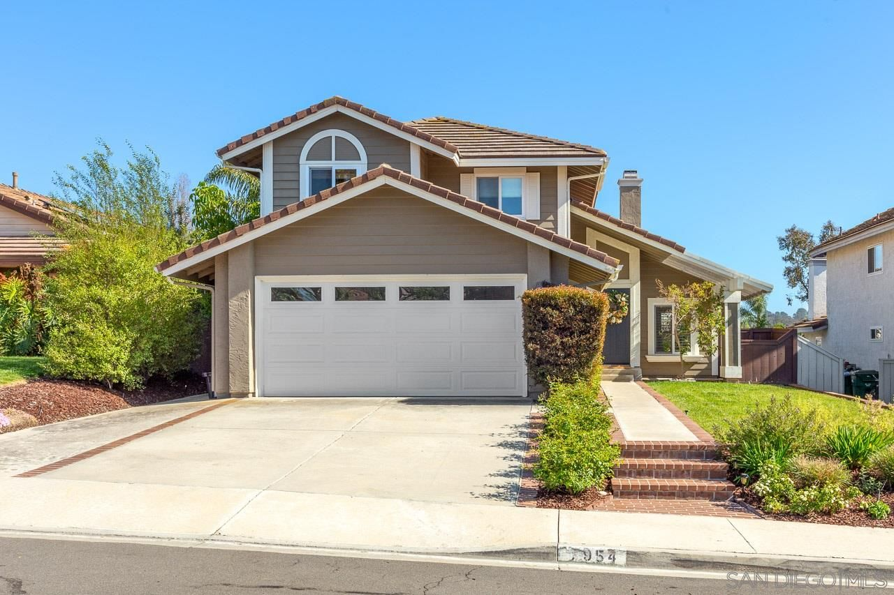 Main Photo: LA COSTA House for sale : 3 bedrooms : 7954 Calle Posada in Carlsbad