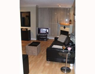 Photo 3: 703 928 RICHARDS Street in Vancouver: Downtown VW Condo for sale (Vancouver West)  : MLS®# V683098