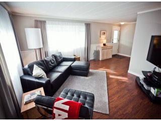 """Photo 4: 238 1840 160TH Street in Surrey: King George Corridor Manufactured Home for sale in """"BREAKAWAY BAYS"""" (South Surrey White Rock)  : MLS®# F1223433"""