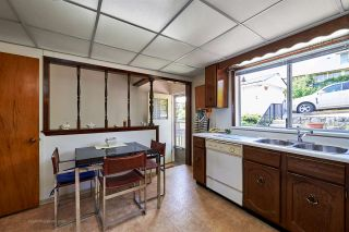"""Photo 10: 824 SURREY Street in New Westminster: The Heights NW House for sale in """"THE HEIGHTS"""" : MLS®# R2064909"""