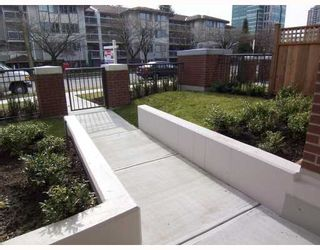 """Photo 2: 7059 17TH Avenue in Burnaby: Edmonds BE Townhouse for sale in """"PARK 360"""" (Burnaby East)  : MLS®# V808624"""