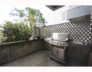 """Photo 9: 105 2250 W 3RD Avenue in Vancouver: Kitsilano Condo for sale in """"HENLEY PARK"""" (Vancouver West)  : MLS®# V755957"""
