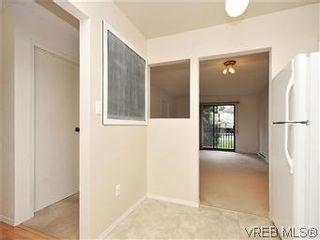 Photo 6: 209 3252 Glasgow Ave in VICTORIA: SE Quadra Condo for sale (Saanich East)  : MLS®# 601881