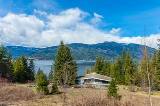 Photo 1: 5524 Eagle Bay Road in Eagle Bay: House for sale : MLS®# 10141598