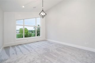 Photo 10: 2331 (West) 27 Avenue NW in Calgary: Banff Trail Detached for sale : MLS®# A1033000