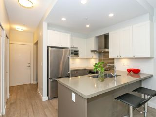 """Photo 7: 211 3399 NOEL Drive in Burnaby: Sullivan Heights Condo for sale in """"CAMERON"""" (Burnaby North)  : MLS®# R2465888"""