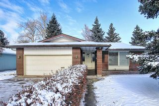 Photo 1: 762 Woodpark Road SW in Calgary: Woodlands Detached for sale : MLS®# A1048869