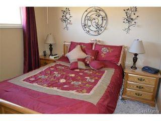 Photo 5: 446 T AVENUE N in Saskatoon: Mount Royal Single Family Dwelling for sale (Saskatoon Area 04)  : MLS®# 461488