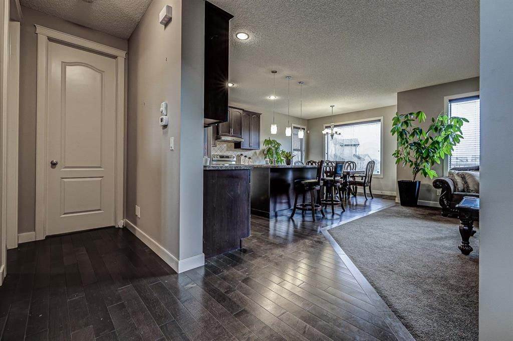 Photo 5: Photos: 200 EVERBROOK Drive SW in Calgary: Evergreen Detached for sale : MLS®# A1102109