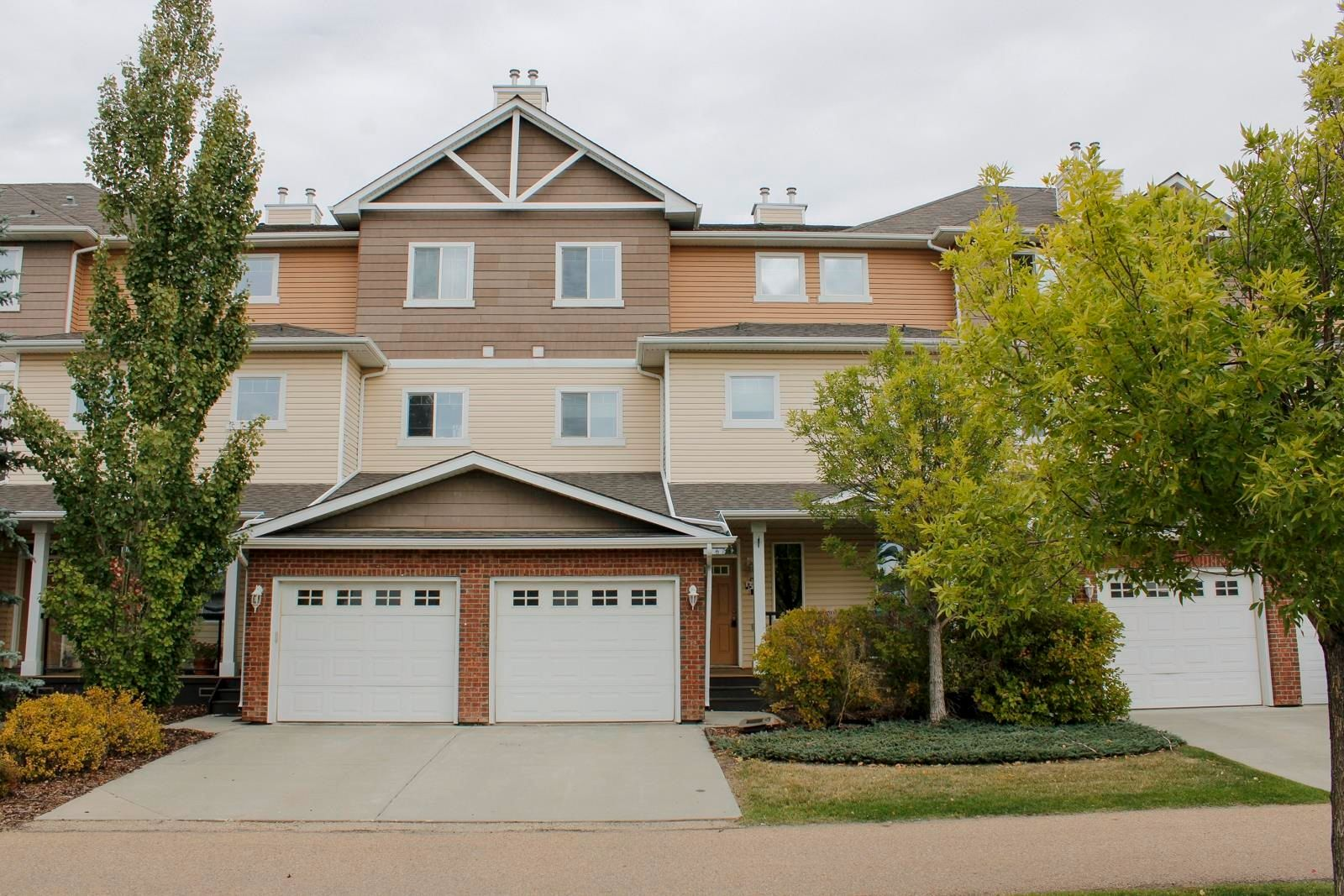 Main Photo: 9 3010 33 Avenue in Edmonton: Zone 30 Townhouse for sale : MLS®# E4263659
