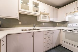 """Photo 9: 110 910 W 8TH Avenue in Vancouver: Fairview VW Condo for sale in """"RHAPSODY"""" (Vancouver West)  : MLS®# R2004570"""