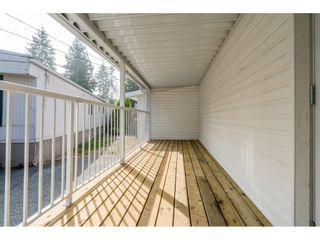 "Photo 6: 20 24330 FRASER Highway in Langley: Otter District Manufactured Home for sale in ""Langley Grove Estates"" : MLS®# R2497315"