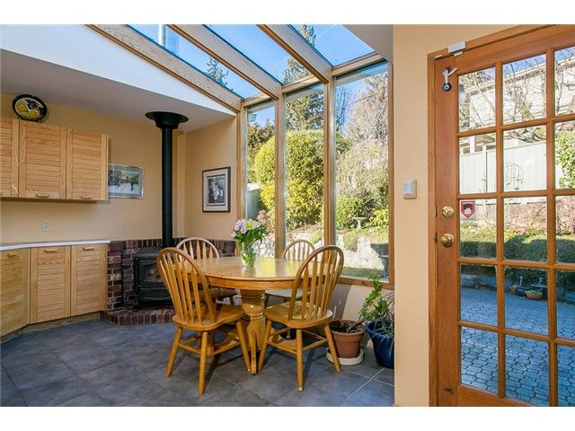 Photo 5: Photos: 756 BLYTHWOOD Drive in North Vancouver: Delbrook House for sale : MLS®# V1046211