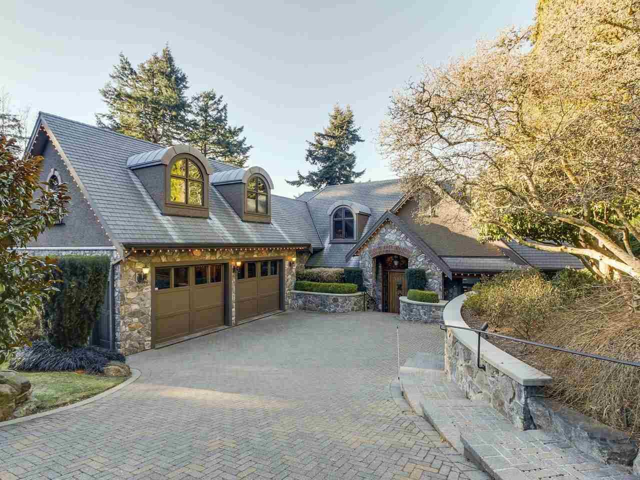 Main Photo: 12626 15 Avenue in Surrey: Crescent Bch Ocean Pk. House for sale (South Surrey White Rock)  : MLS®# R2533225