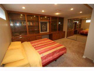 Photo 18: 28 HARROW Crescent SW in CALGARY: Haysboro Residential Detached Single Family for sale (Calgary)  : MLS®# C3419230