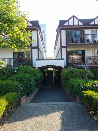 Photo 2: 204 131 W 4TH Street in North Vancouver: Lower Lonsdale Condo for sale : MLS®# R2488818