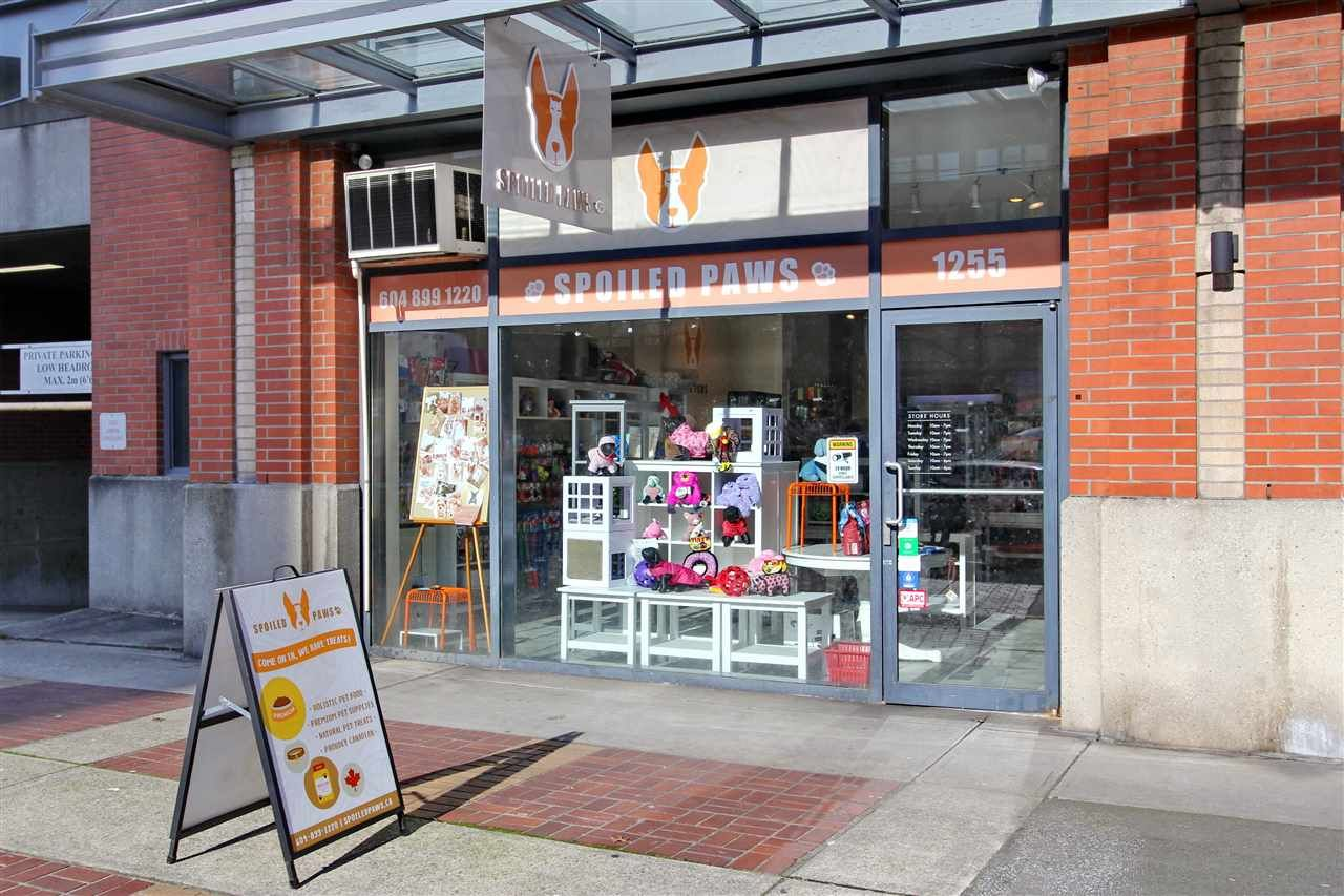 Main Photo: 1255 PACIFIC Boulevard in Vancouver: Yaletown Business for sale (Vancouver West)  : MLS®# C8040300
