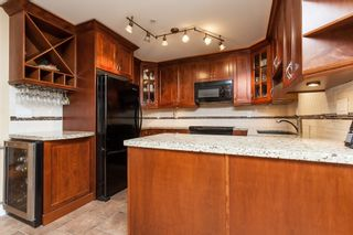 """Photo 17: 307 15941 MARINE Drive: White Rock Condo for sale in """"THE HERITAGE"""" (South Surrey White Rock)  : MLS®# R2408083"""