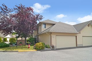 """Photo 2: 77 6140 192 Street in Surrey: Cloverdale BC Townhouse for sale in """"Estates at Manor Ridge"""" (Cloverdale)  : MLS®# R2592035"""