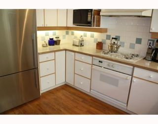 Photo 4: 3103 W 3RD Avenue in Vancouver: Kitsilano 1/2 Duplex for sale (Vancouver West)  : MLS®# V771604