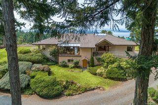 Photo 2: 5802 Pirates Rd in Pender Island: GI Pender Island House for sale (Gulf Islands)  : MLS®# 844907