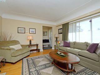 Photo 3: 636 McKenzie Ave in VICTORIA: SW Glanford House for sale (Saanich West)  : MLS®# 796547