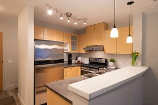 """Photo 5: 404 124 W 1ST Street in North Vancouver: Lower Lonsdale Condo for sale in """"The """"Q"""""""" : MLS®# R2430704"""