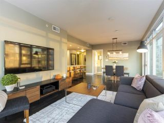 """Photo 5: 1507 1372 SEYMOUR Street in Vancouver: Downtown VW Condo for sale in """"The Mark"""" (Vancouver West)  : MLS®# R2402457"""