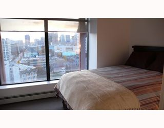 """Photo 7: 2310 128 W CORDOVA Street in Vancouver: Downtown VW Condo for sale in """"WOODWARDS W43"""" (Vancouver West)  : MLS®# V791001"""