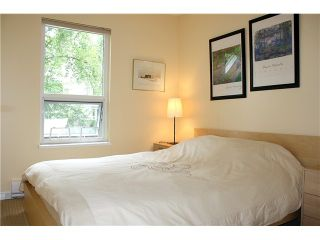 """Photo 9: 3480 LYNMOOR Place in Vancouver: Champlain Heights Townhouse for sale in """"MOORPARK"""" (Vancouver East)  : MLS®# V900458"""