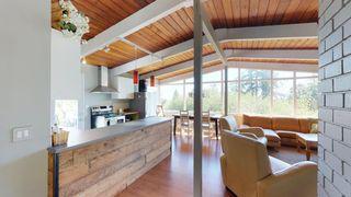 Photo 9: 6211 BAILLIE Road in Sechelt: Sechelt District House for sale (Sunshine Coast)  : MLS®# R2325977