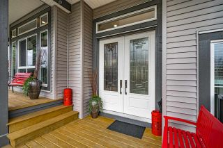 """Photo 2: 25592 BOSONWORTH Avenue in Maple Ridge: Thornhill MR House for sale in """"The Summit at Grant Hill"""" : MLS®# R2516309"""