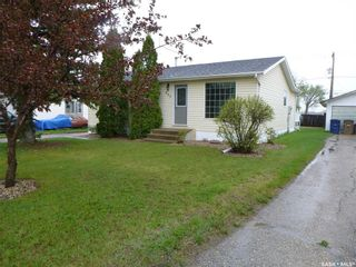 Photo 1: 605 98th Avenue in Tisdale: Residential for sale : MLS®# SK856165