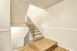 "Photo 14: 10537 HOLLY PARK Lane in Surrey: Guildford Townhouse for sale in ""Holly Park"" (North Surrey)  : MLS®# R2438495"