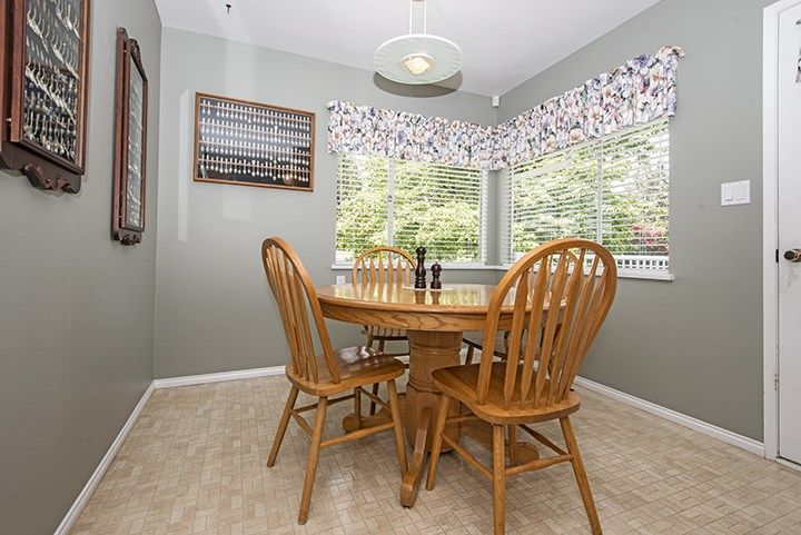 Photo 5: Photos: 1327 BRISBANE Avenue in Coquitlam: Harbour Chines House for sale : MLS®# R2061600