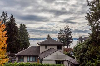 Photo 37: 2566 MARINE Drive in West Vancouver: Dundarave House for sale : MLS®# R2568519
