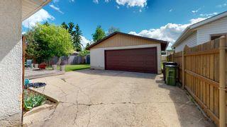 Photo 3: 10615 165 Avenue in Edmonton: Zone 27 House for sale : MLS®# E4247555
