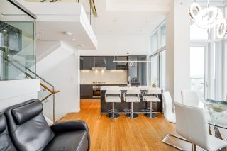"""Photo 18: PH7 777 RICHARDS Street in Vancouver: Downtown VW Condo for sale in """"TELUS GARDEN"""" (Vancouver West)  : MLS®# R2621285"""