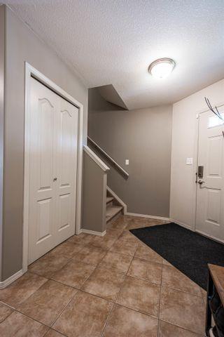Photo 16: 124 CASTLE Drive in Edmonton: Zone 27 House Half Duplex for sale : MLS®# E4260271