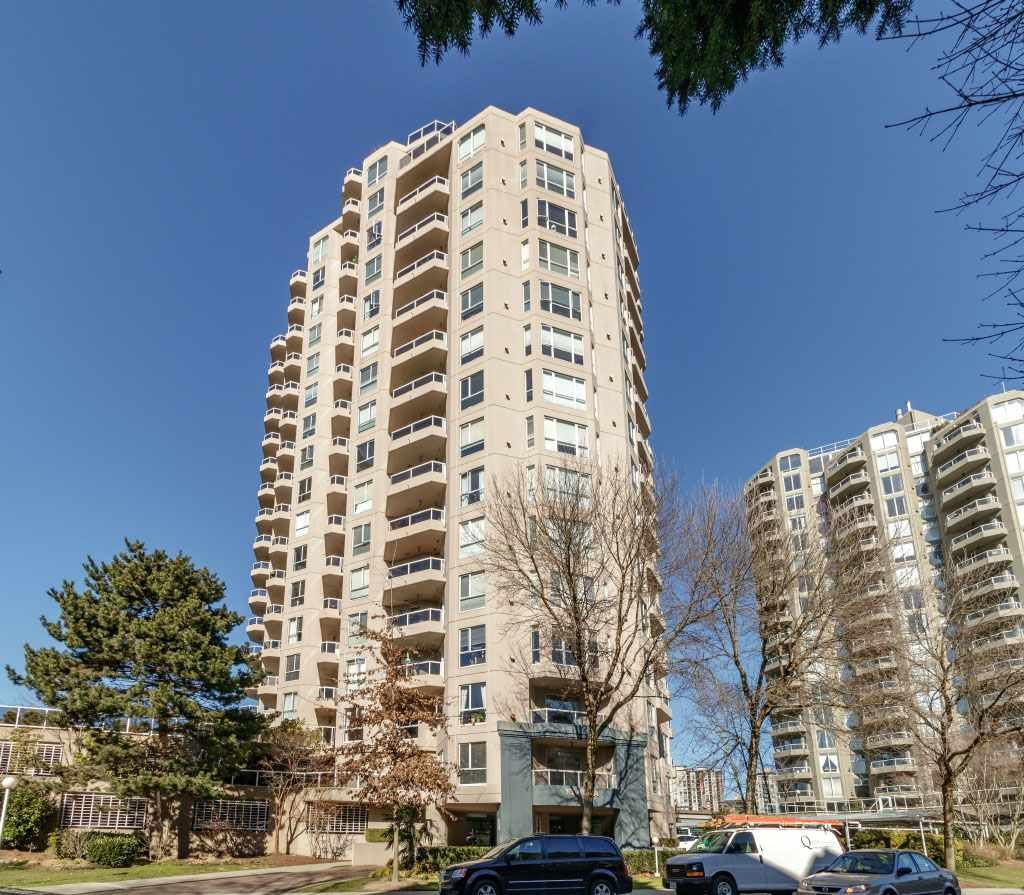 """Main Photo: 703 1185 QUAYSIDE Drive in New Westminster: Quay Condo for sale in """"RIVIERA"""" : MLS®# R2345179"""